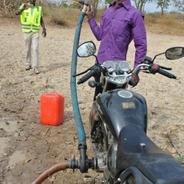 La phot'Eau insolite de la semaine «Mobypompe, Burkina Faso»